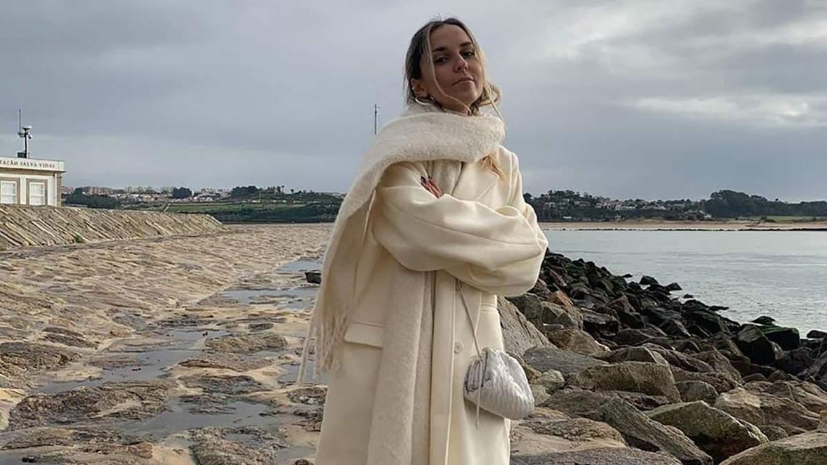 София Коэльо показала стильный зимний образ