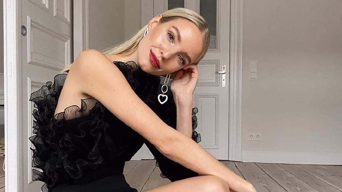 Леони Ханне демонстрирует черное мини-платье для празднования Нового года: безупречный образ