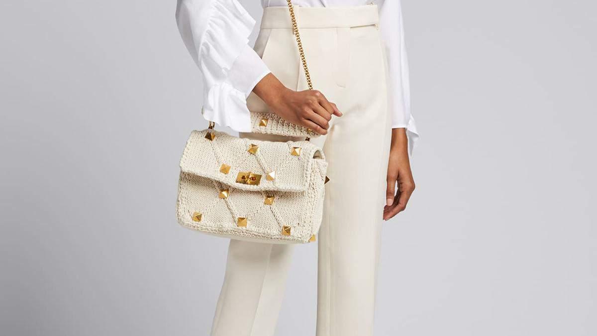 Трендовая сумка Valentino: как носят инстаграм-трендсеттеры аксессуар за 98 тысяч гривен
