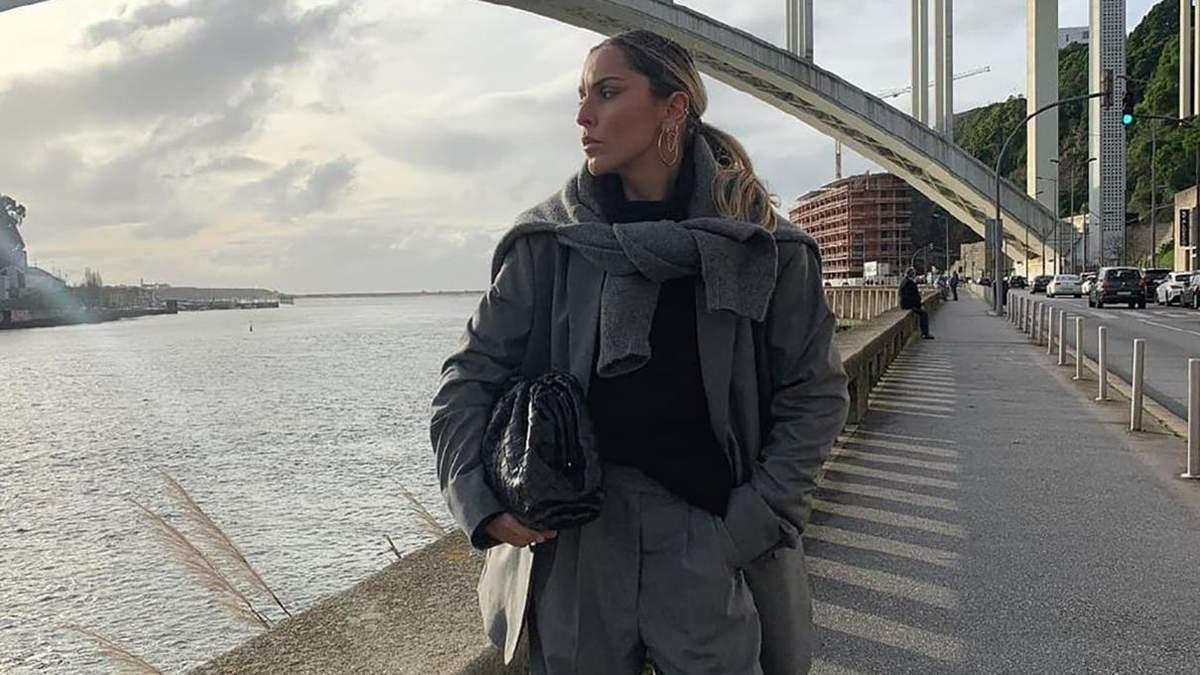 Total look: как стильно носить серый цвет на примере Софии Коэльо