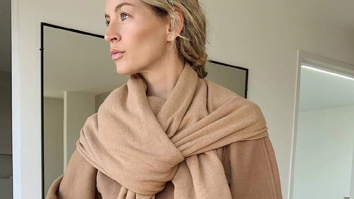 Свитер с шарфом: как выглядит самая модная вещь этого сезона