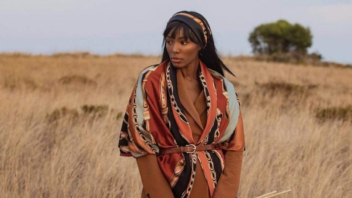 Популярная модель Клаудя Морейра может сделать из шарфа все что угодно: видеоинструкции