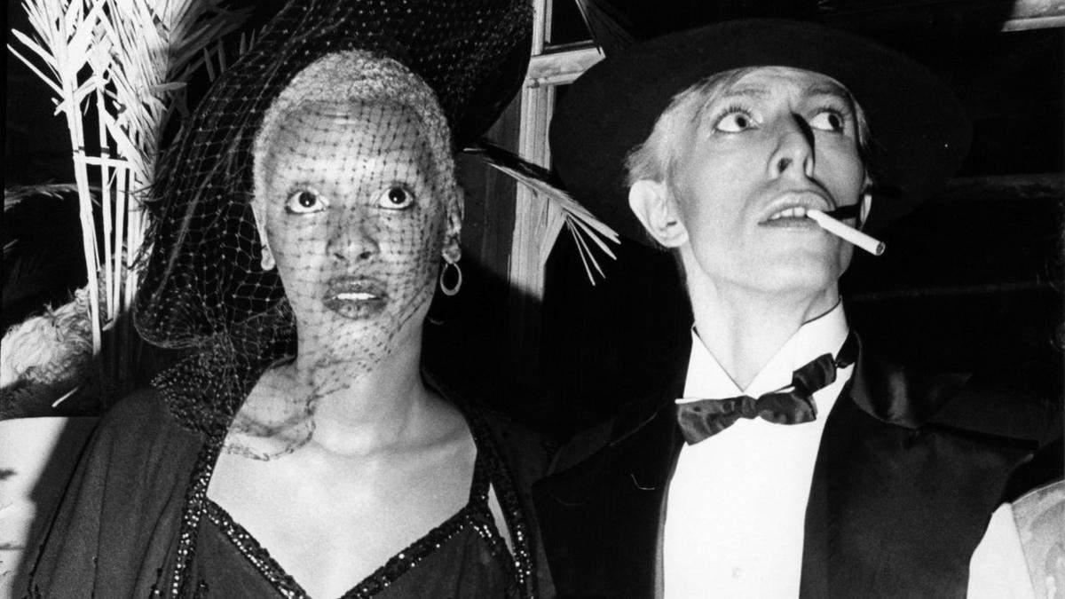 Не міг зосередитись на церковній службі, бо думав про капелюхи: модні фото від Білла Каннінгем