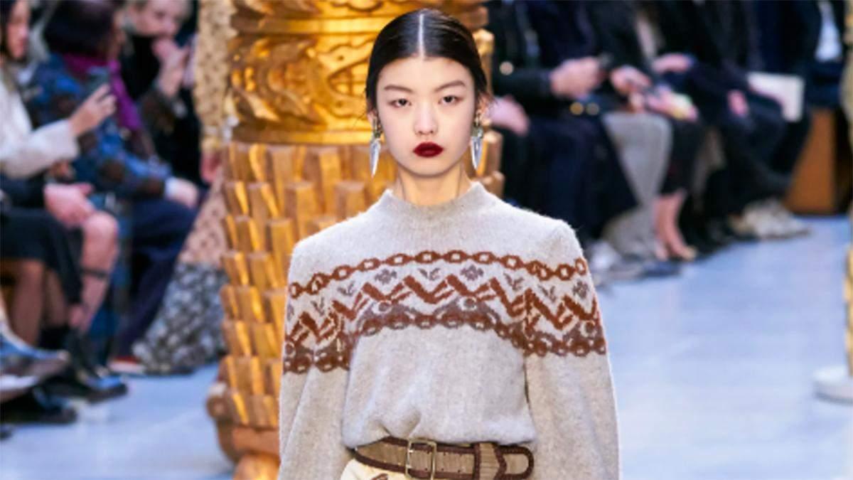 Модный свитер зимы: стильные фотографии