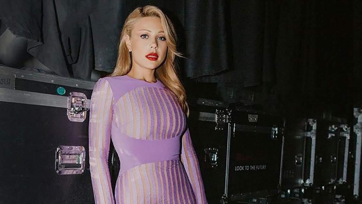 Скільки коштують бездоганні сукні Тіни Кароль: фото