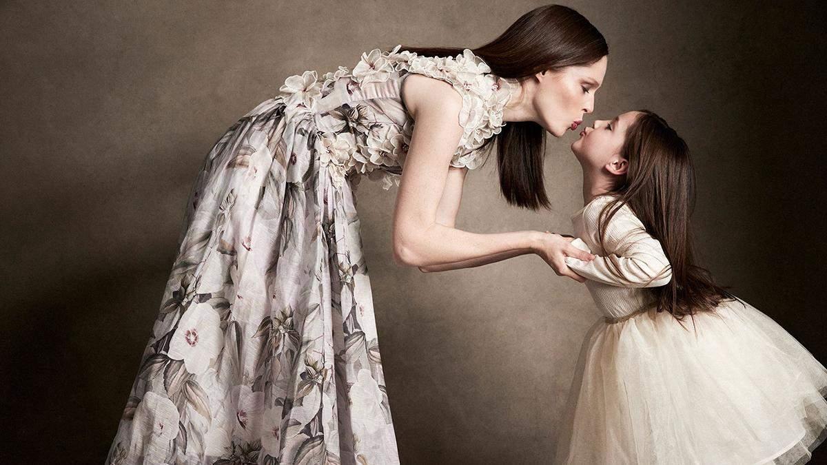 Модель Коко Роша снялась с детьми в невероятной фотосессии для Elle: безупречные фото