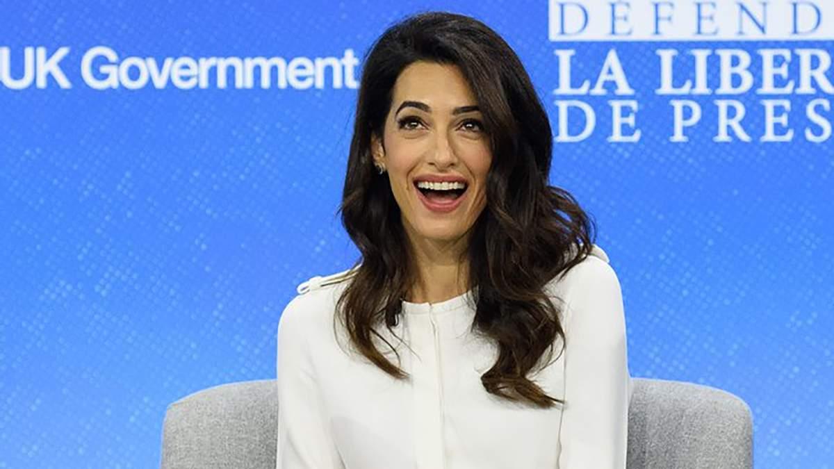 День народження Амаль Клуні: фото стильних образів