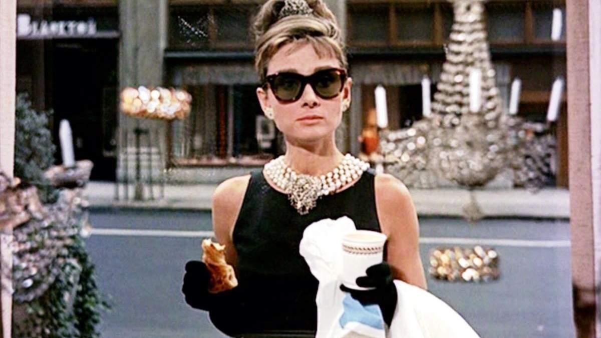 Икона стиля Одри Хепберн: какой наряд больше всего любила одна из самых красивых женщин планеты