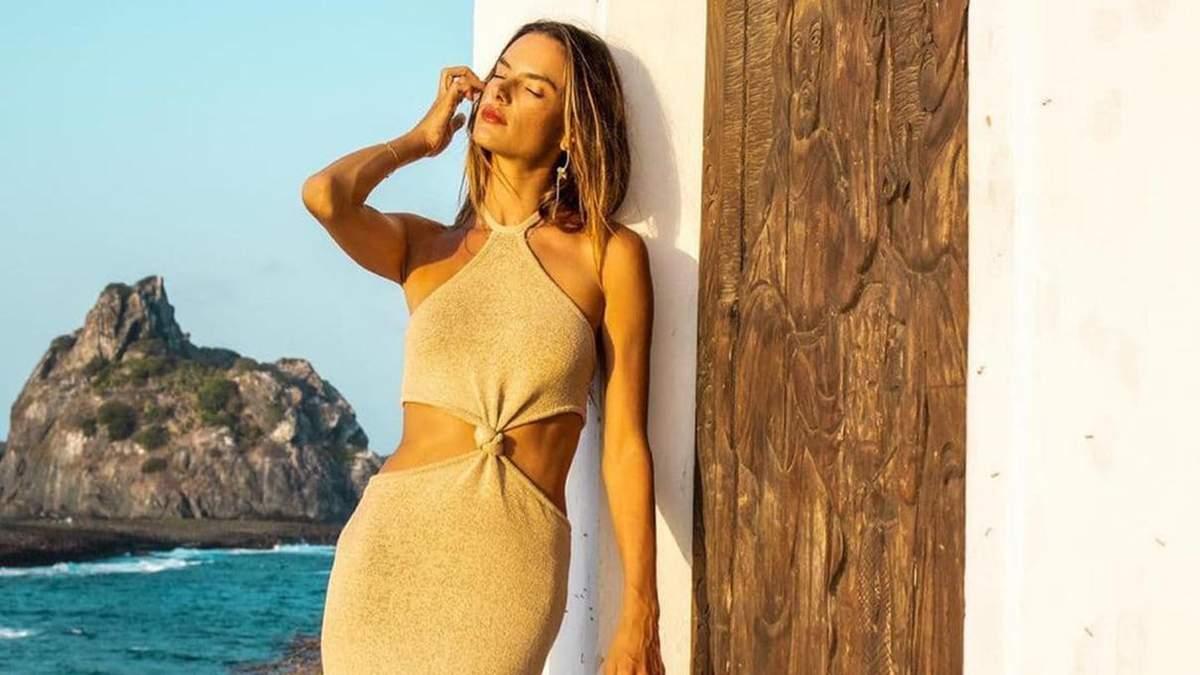 Алессандра Амбросио показала безупречное платье: фото