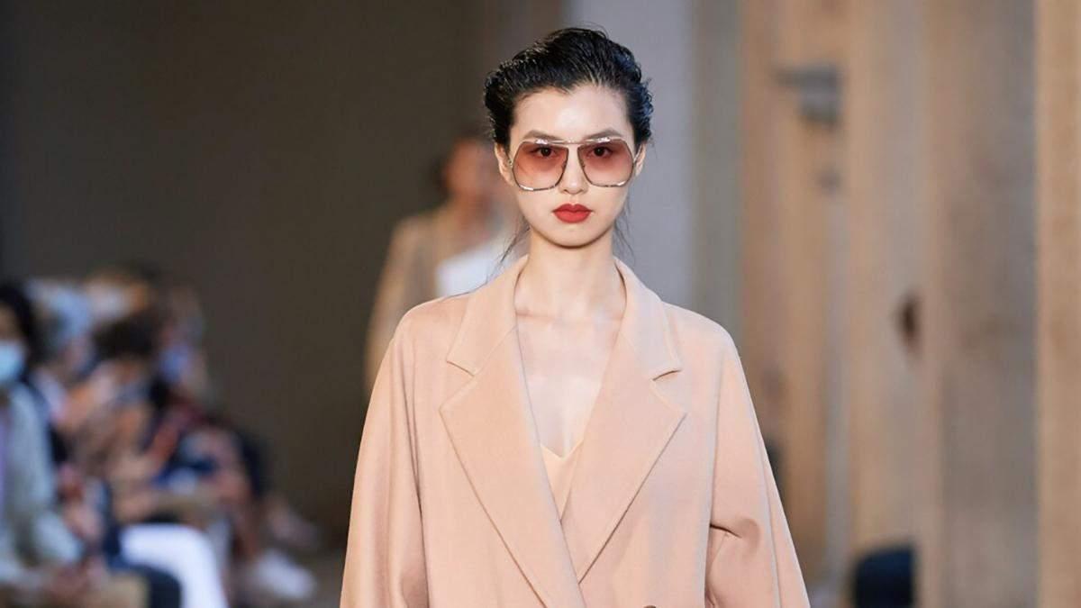 Двобортні трендові пальта: фото