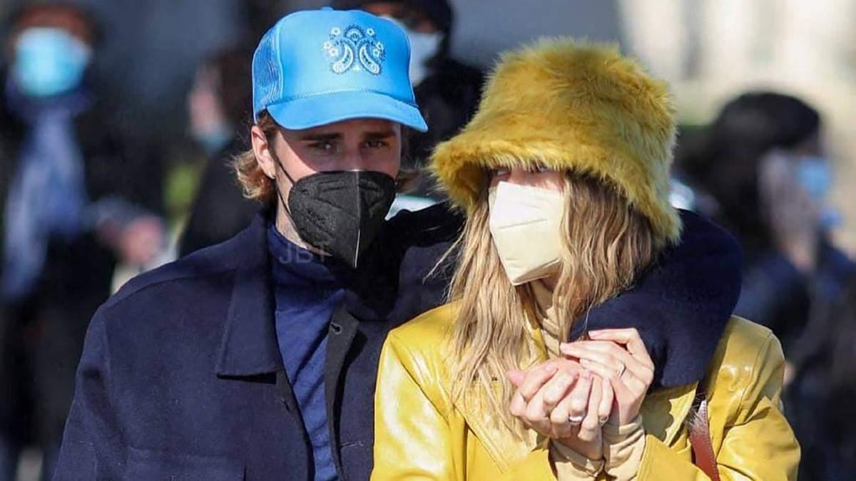Гейлі та Джастін Бібери прогулялися Парижем: фото