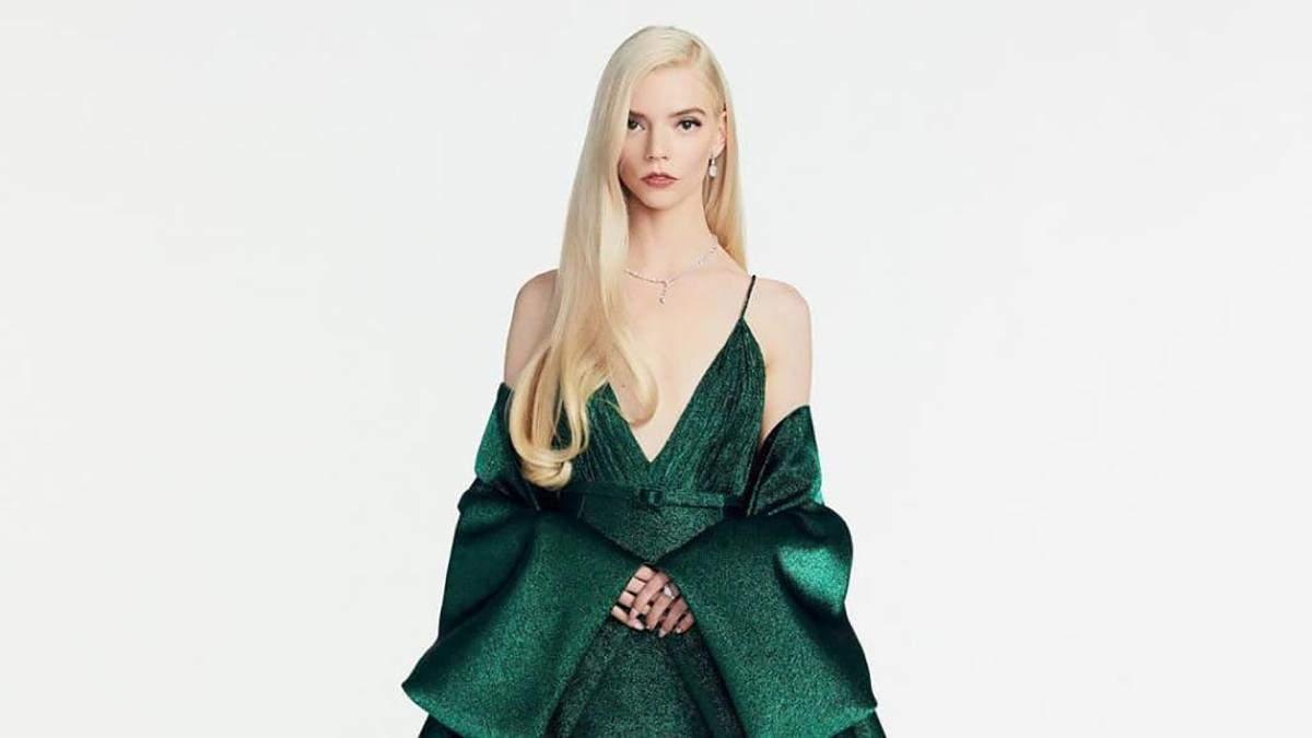 Аня Тейлор-Джой в изумрудном платье Dior Couture: фото