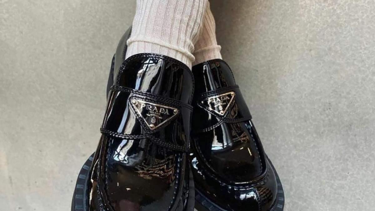 Стильные образы с лоферы и носками