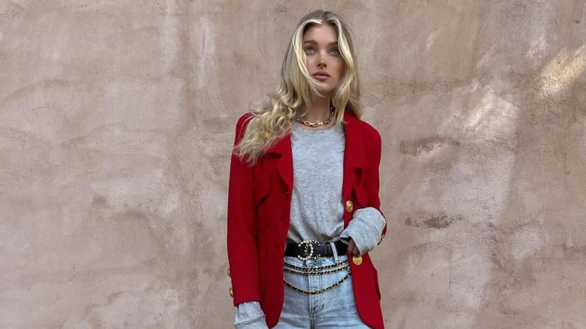 Ельза Госк прогулялася в червоному жакеті