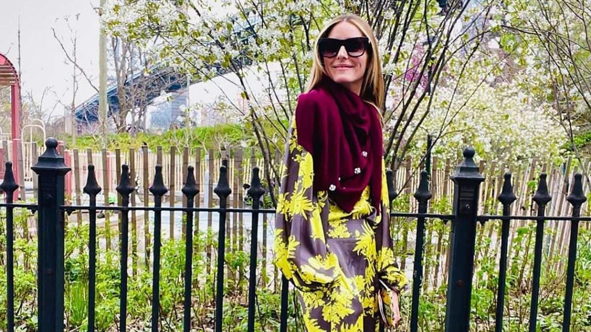 Оливия Палермо на своем примере возвращает в моду шелковые костюмы: безупречный образ