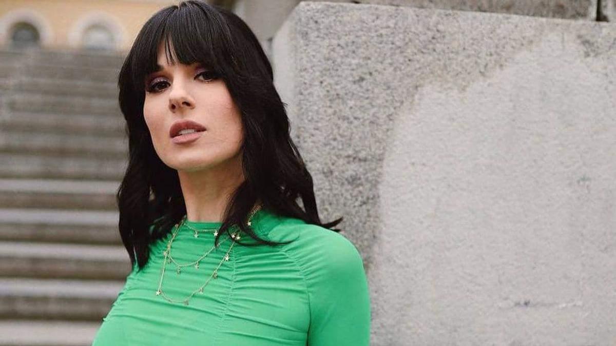 Маша Єфросиніна показала стильний образ у яскравих кольорах весни: фото