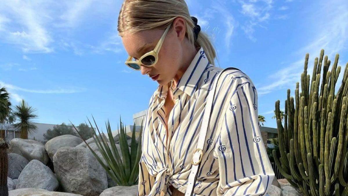 Эльза Хоск ошеломила летним аутфит в полосатой рубашке: фото