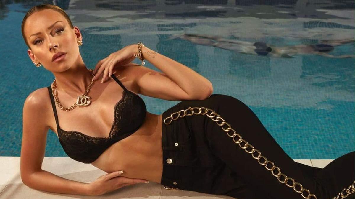 """Зірка серіалу """"Еліта"""" Естер Еспосіто знялася у вражаючій фотосесії Dolce&Gabbana: ефектні кадри - Fashion"""