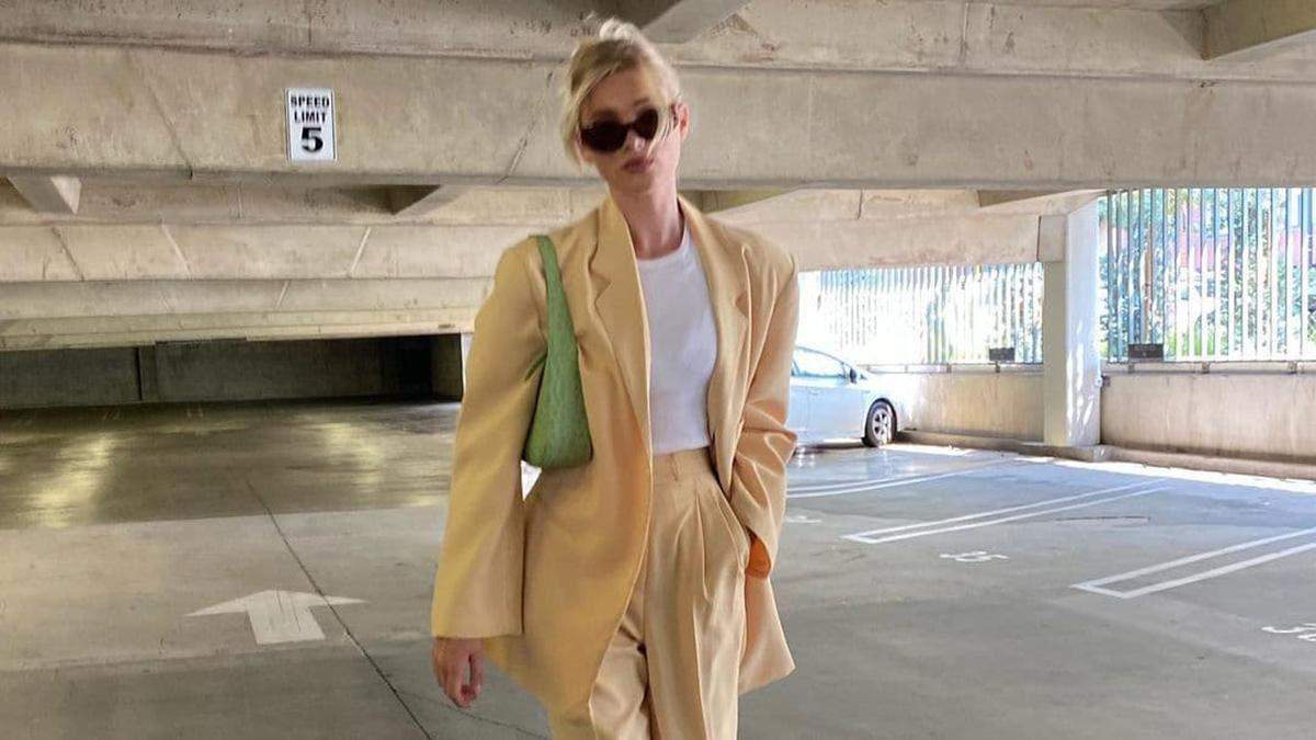 Ельза Госк показує бездоганний лимонний костюм, який можна одягнути цього літа: стильний образ - Fashion