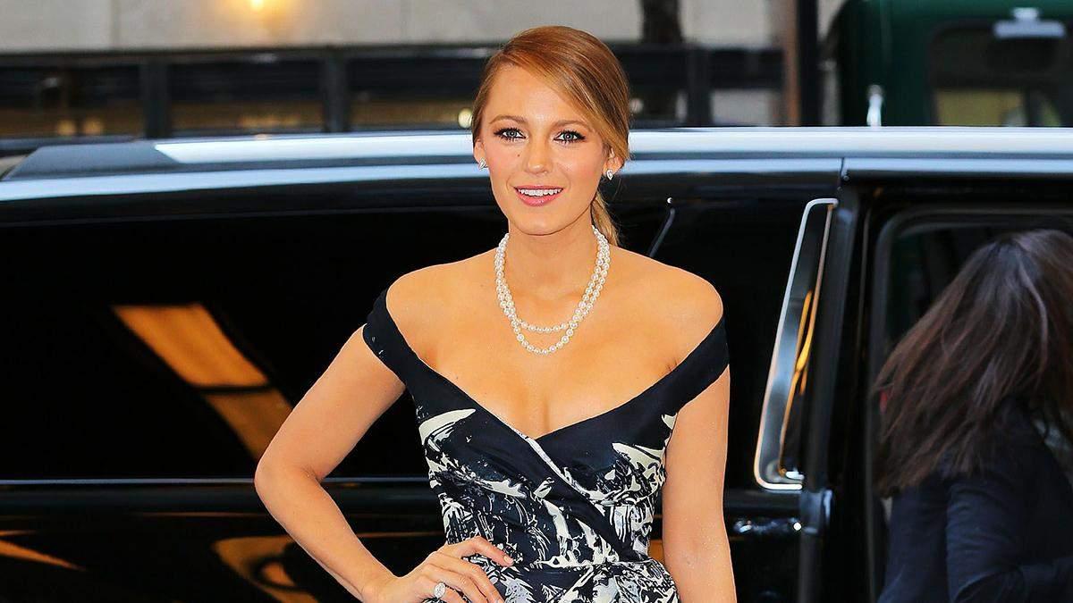 Іменинниця Блейк Лайвлі приголомшила святковою салатовою сукнею з вишнями:ефектне відео - Fashion