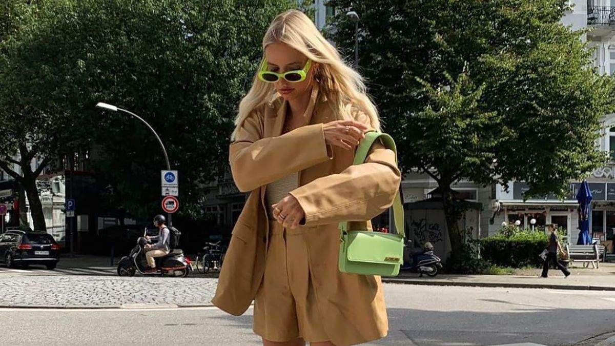 Тренди осені 2021: Леоні Ганне показує з чим носити високі чоботи на підборах - Fashion