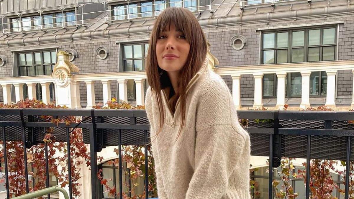 6 модных свитеров на осень: стильные сочетания показывает француженка Жюли Феррери