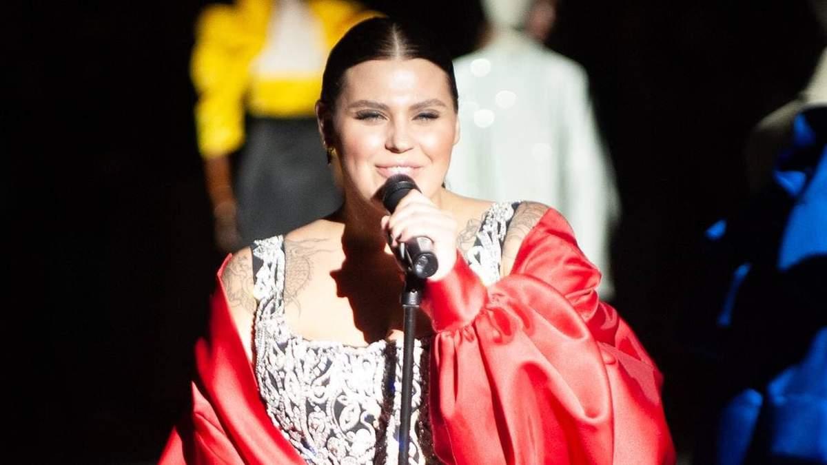 Солистки группы KAZKA на показе-шоу GASANOVA: чем еще поразил украинский бренд - Fashion