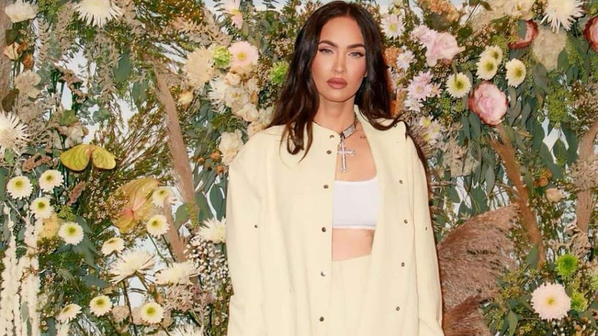 Меган Фокс захопила мережу розкішним монохромним образом: яскраві фото - Fashion