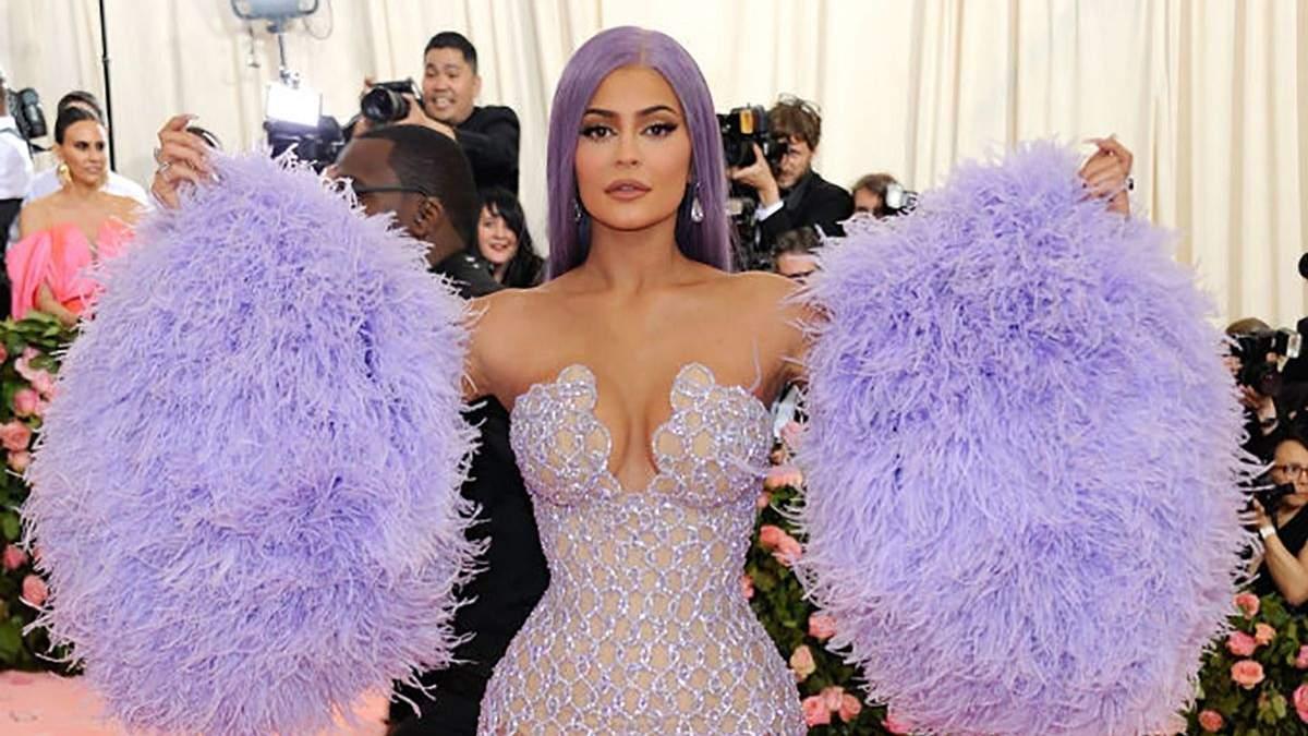 Вагітна Кайлі Дженнер вперше за 5 років не прибуде на Met Gala: згадуємо образи світської левиці - Fashion