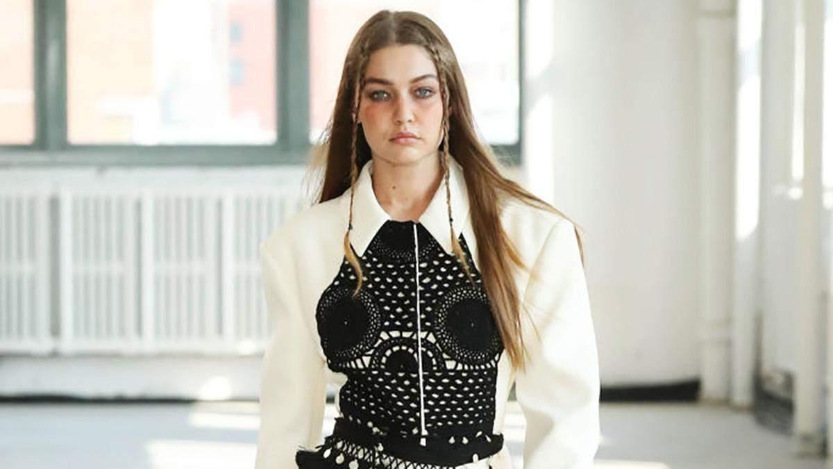 Вязаные вещи, юбка плиссе и фруктовый принт: 7 трендов Недели моды в Нью-Йорке