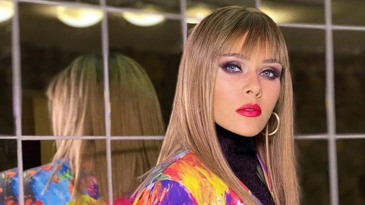 Met Gala відпочиває: Юлія Саніна постала в новому образі, який захопив фанатів – розкішні фото - Fashion