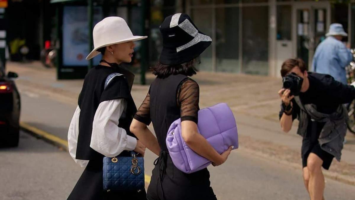 Панамы, кепки и шапки: 20 лучших головных уборов осени