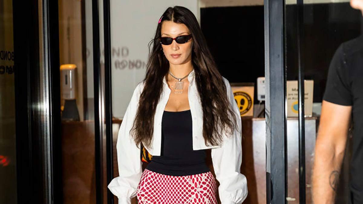 Белла Хадід вразила виходом у чоботах зі скошеними підборами: фото образу - Fashion