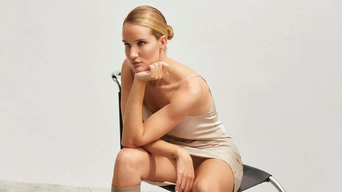 Розі Гантінгтон-Вайтлі випустила трендову колекцію осінньо-зимового взуття: перші фото - Fashion