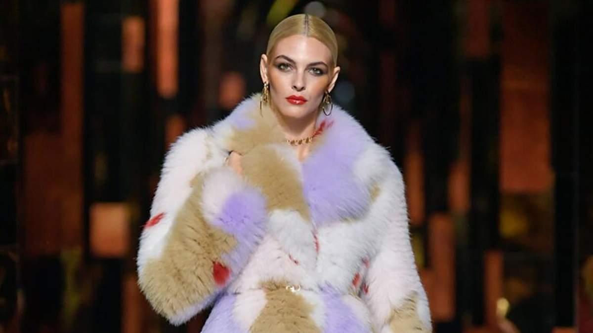 Кольорові шуби і пухнасте взуття: показ Fendi весна – літо 2022 у Мілані - Fashion