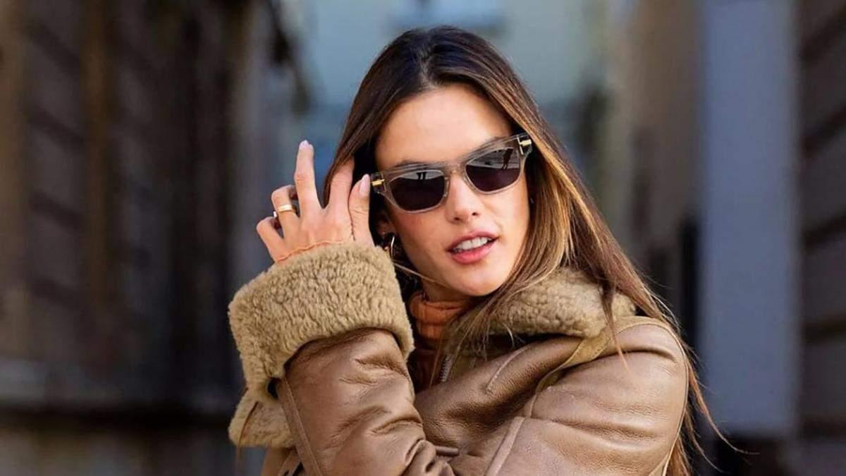 Дублянка – хіт осені: стильний образ із шкіряними штанами показує Алессандра Амбросіо - Fashion