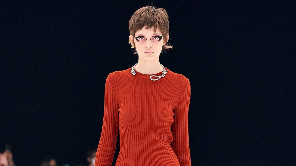 Givenchу вляпались в скандал из-за колье в виде петли на шее: фото