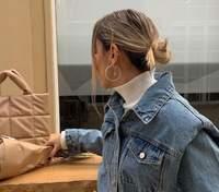 Denim total look: стилист София Коэльо выгуливает весенний образ – фото