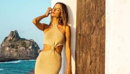 Модель Алессандра Амбросио надела самое сексуальное платье 2021: эффектные фото
