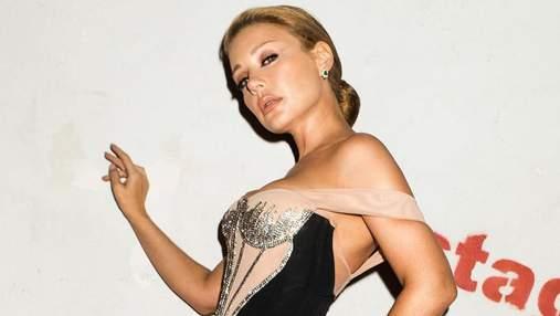 """У розкішній сукні з розрізом: Тіна Кароль обрала брендове вбрання для ефіру """"Танців з зірками"""""""