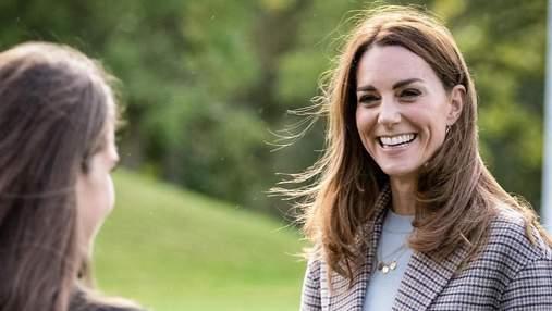 У розкішному червоному пальті: Кейт Міддлтон здійснила новий бездоганний вихід