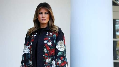 У шкіряному пальті: Меланія Трамп захопила сміливим образом – фото