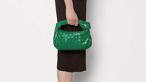 Популярная сумка весны – Bottega Veneta The Mini Jodie: стильные выходы инфлюенсеров