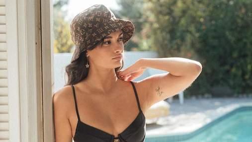 Тренд літа – купальник із золотим ланцюжком на талії: модний приклад від Жизель Олівейри