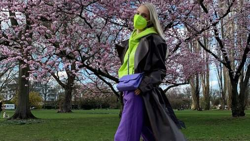 Наймодніше поєднання кольорів – салатовий і фіолетовий: цікавий образ показує Леоні Ганне