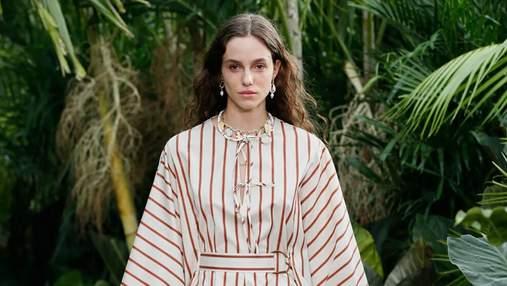 Самые стильные платья в полоску весна-лето 2021: подборка модных изделий