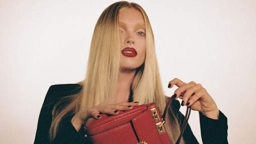 Пристрасний червоний: Ельза Госк і Тіна Кунакі спокусили образами у рекламі Valentino