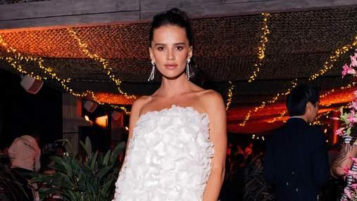Анна Андрес очаровала нежным вечерним платьем Ralph Lauren: эффектный кадр
