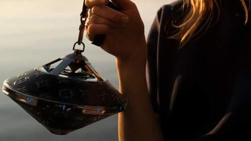 Bluetooth-кадило: бренд Louis Vuitton выпустил колонку необычной формы за 2890 долларов