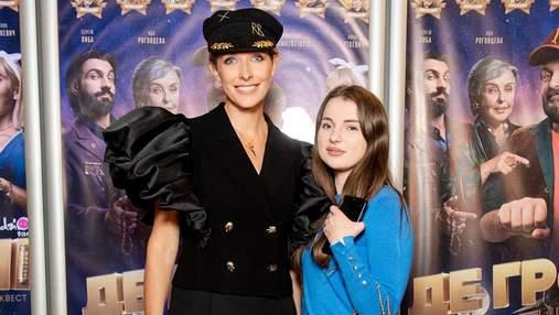 В шляпе от Руслана Багинского: Катя Осадчая посетила светское мероприятие – фото